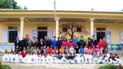 VATM: Trao quà Tết và quần áo ấm cho đồng bào vùng biên giới Nghệ An