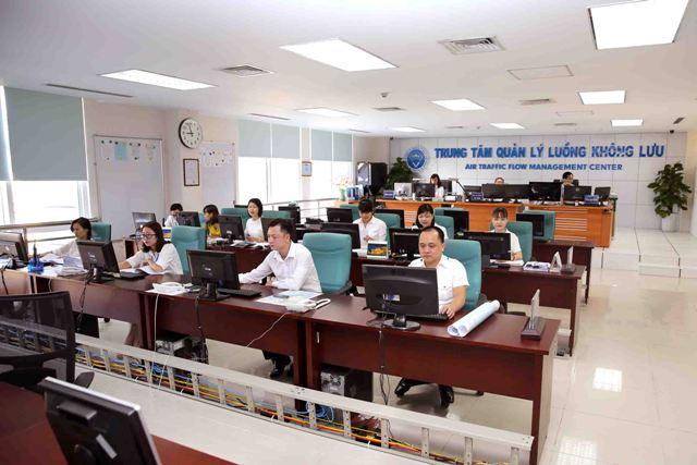 Chủ tịch Đinh Việt Thắng phát biểu chúc mừng tại Lễ ra mắt Trung tâm Quản lý luồng không lưu