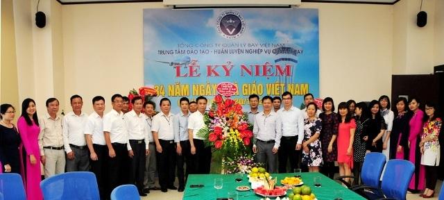 Lãnh đạo Tổng công ty Quản lý bay Việt Nam chúc mừng Ngày Nhà giáo Việt Nam