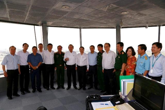Phó Thủ tướng Trương Hòa Bình kiểm tra công tác đảm bảo an ninh, an toàn hàng không tại Cảng HKQT Tân Sơn Nhất