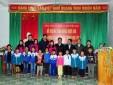 Tặng quà Tết và 40 suất học bổng cho học sinh nghèo vượt khó xã Châu Khê