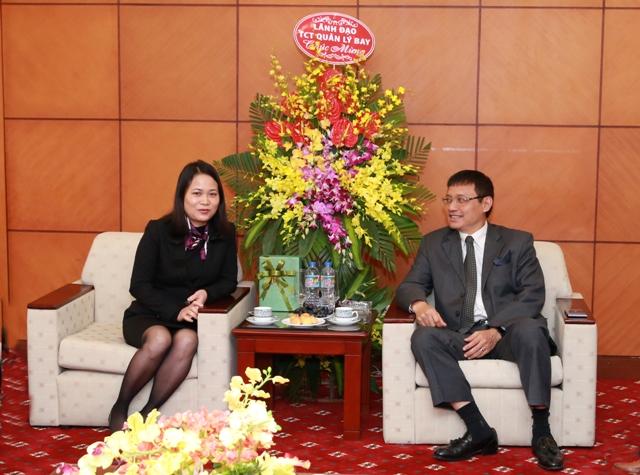Lãnh đạo VATM: Gặp mặt chúc mừng nữ CNLĐ Tổng công ty nhân ngày 8/3