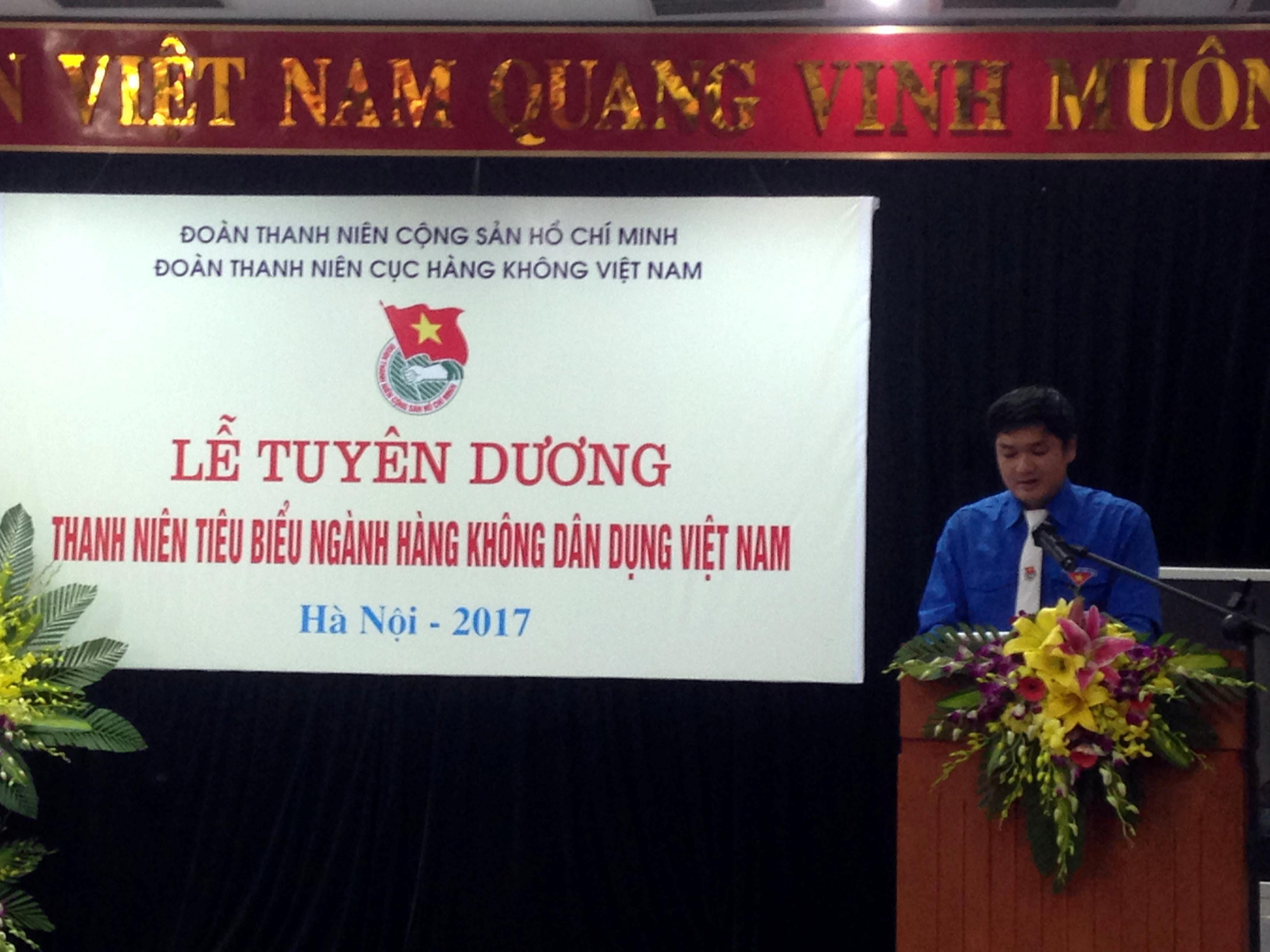 Thanh niên ưu tú Quản lý bay được nhận Giấy khen Cục trưởng Cục Hàng không Việt Nam