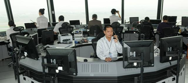 Phân chia phân khu trong vùng trời kiểm soát tiếp cận tại các sân bay lớn