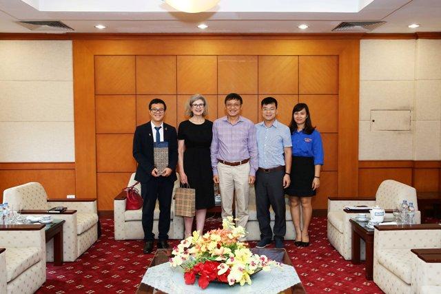 Tổng giám đốc tiếp xã giao Tổng lãnh sự kiêm Tham tán Thương mại New Zealand tại Việt Nam