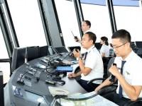 """Kiểm soát viên không lưu Việt Nam - Những người """"lái"""" phi công đảm bảo cho những chuyến bay an toàn"""