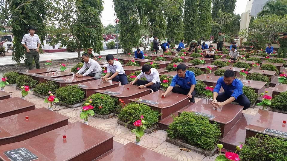 Đoàn Thanh niên Tổng công ty Quản lý bay Việt Nam: Sôi nổi tham gia các hoạt động Kỷ niệm 70 năm ngày Thương binh – Liệt sĩ (27/7/1947 – 27/7/2017)