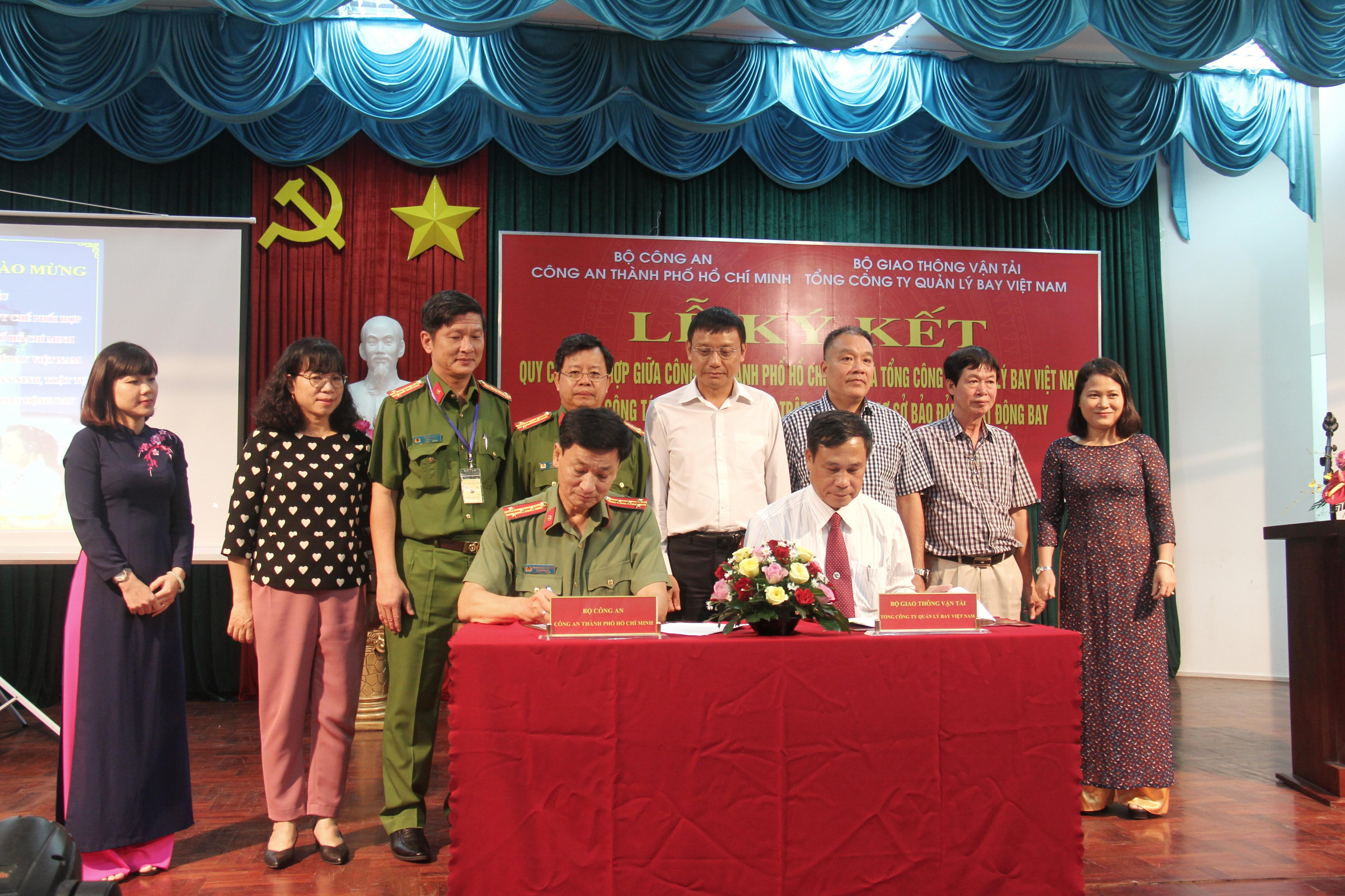 VATM và Công an Thành phố Hồ Chí Minh ký Quy chế phối hợp trong công tác đảm bảo an ninh, trật tự tại các cơ sở cung cấp dịch vụ bảo đảm hoạt động bay