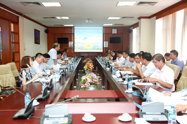 Đoàn công tác Tổng Liên đoàn lao động Việt Nam làm việc với Công đoàn Tổng công ty Quản lý bay Việt Nam