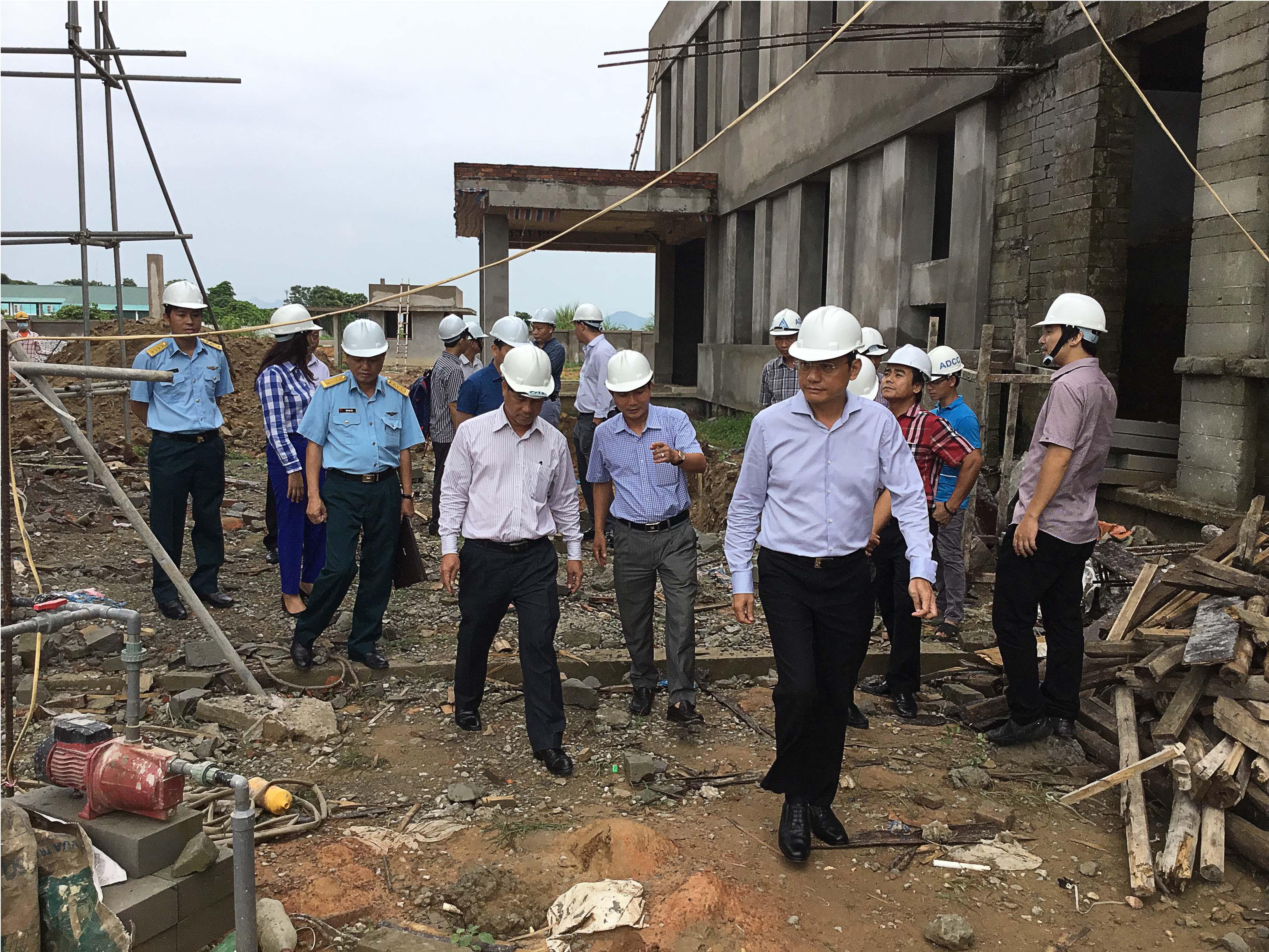 VATM: Kiểm tra tại công trường xây dựng Đài Kiểm soát không lưu Thọ Xuân