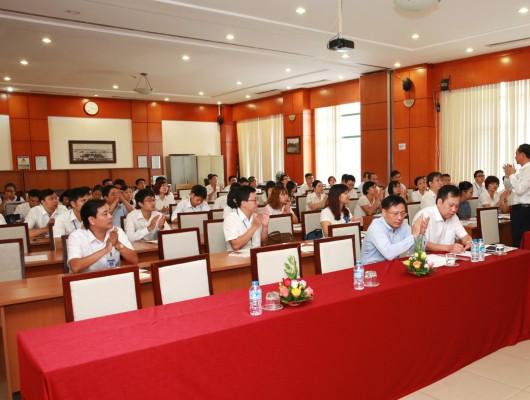 Đảng ủy Tổng công ty Quản lý bay Việt Nam tổ chức lớp học bồi dưỡng lý luận chính trị cho đảng viên mới năm 2017