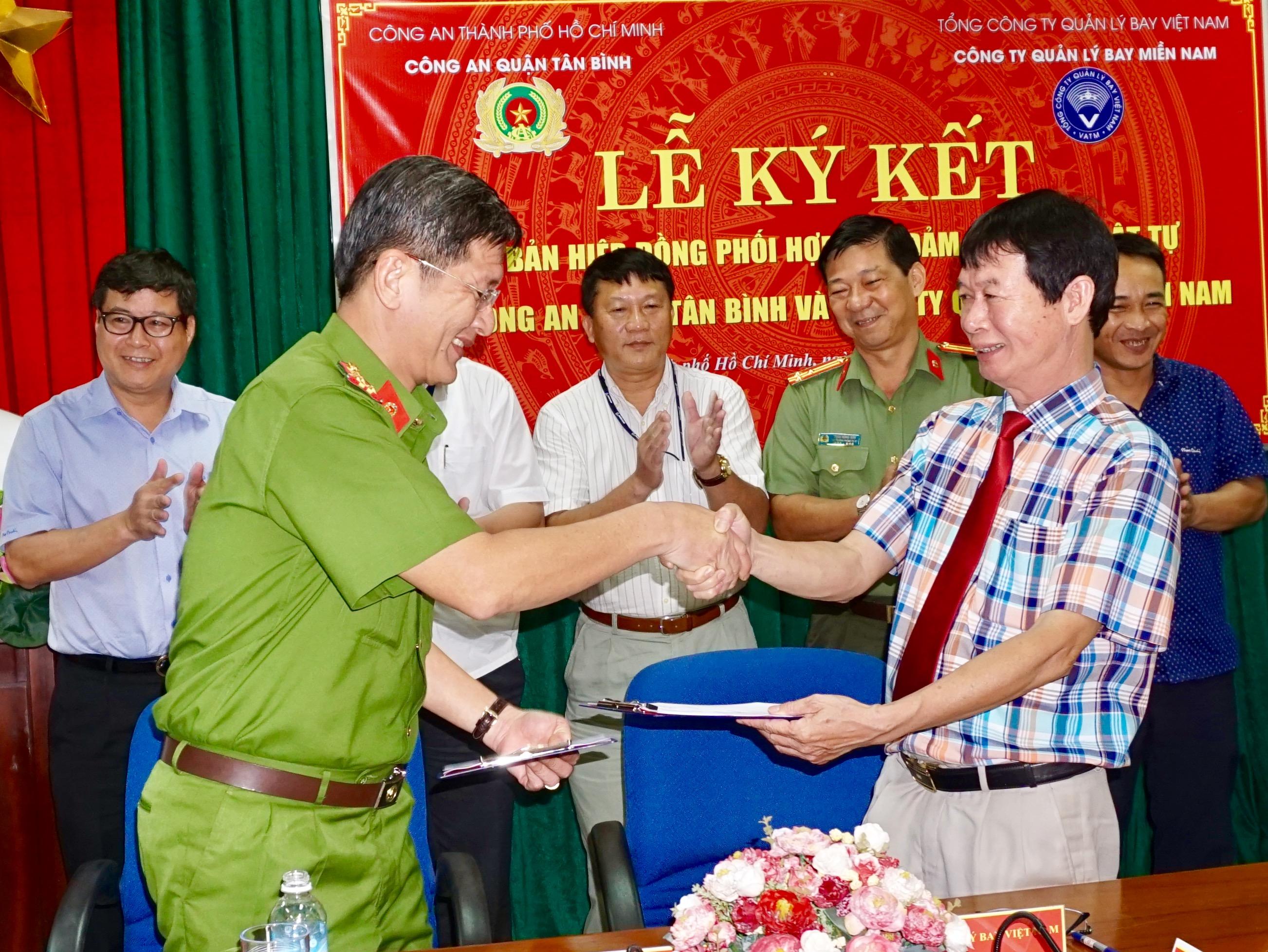 Công ty Quản lý bay miền Nam và Công an quận Tân Bình tổ chức lễ ký kết Văn bản hiệp đồng phối hợp bảo đảm an ninh, trật tự