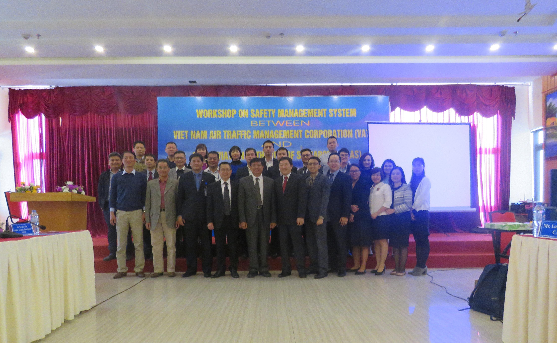Hội thảo về hệ thống quản lý an toàn giữa Tổng công ty Quản lý bay Việt Nam và Cục Hàng không Singapore