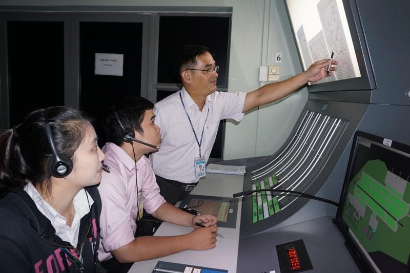 Tăng cường công tác huấn luyện nhằm đáp ứng yêu cầu ngày càng cao đối với đội ngũ làm công tác bảo đảm hoạt động bay