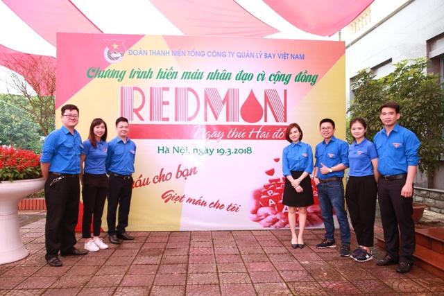 """Đoàn thanh niên Tổng công ty tổ chức chương trình hiến máu nhân đạo """"Ngày thứ Hai đỏ - Redmon"""" năm 2018"""