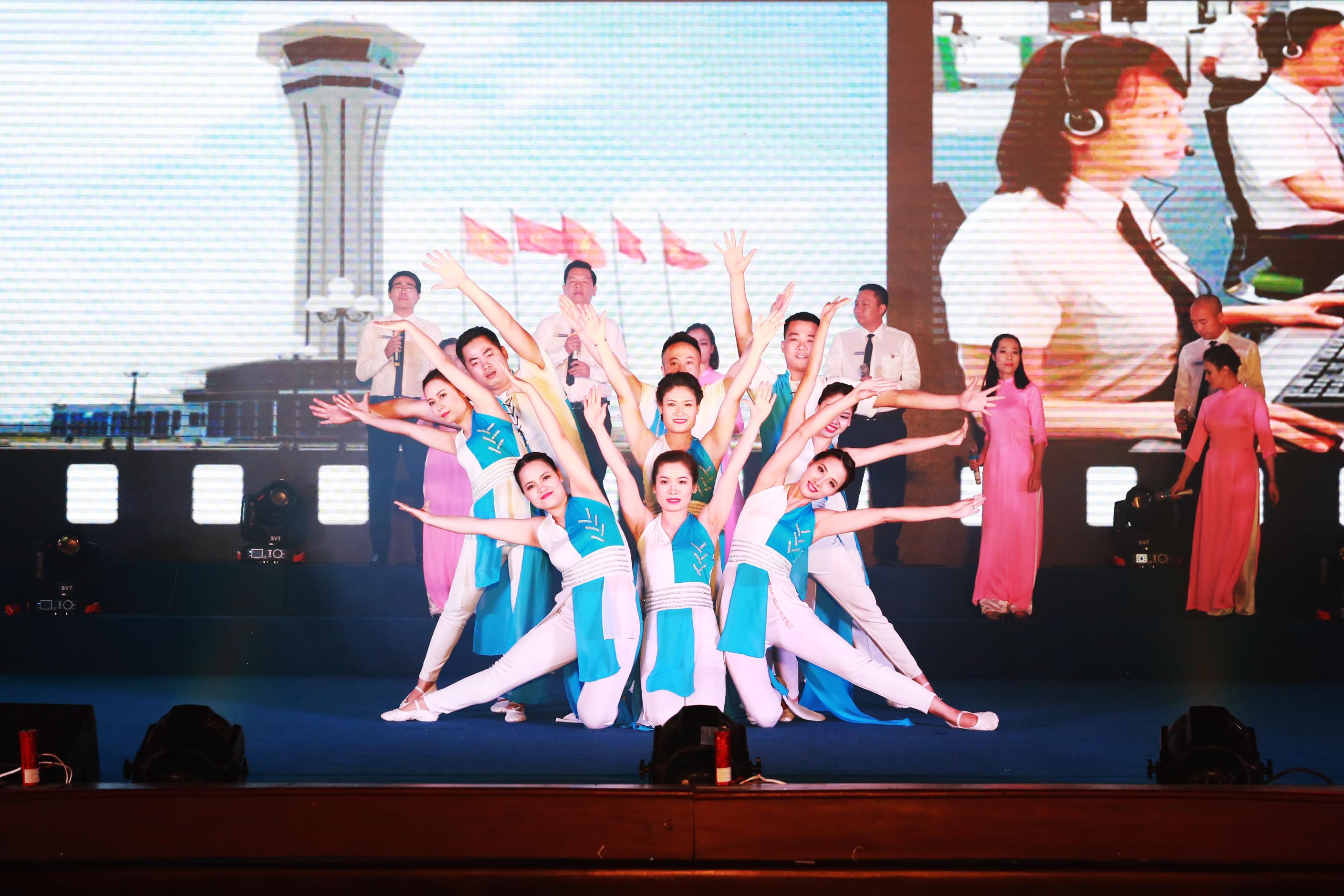 Khai mạc Hội diễn nghệ thuật kỷ niệm 25 năm ngày thành lập Tổng công ty Quản lý bay Việt Nam