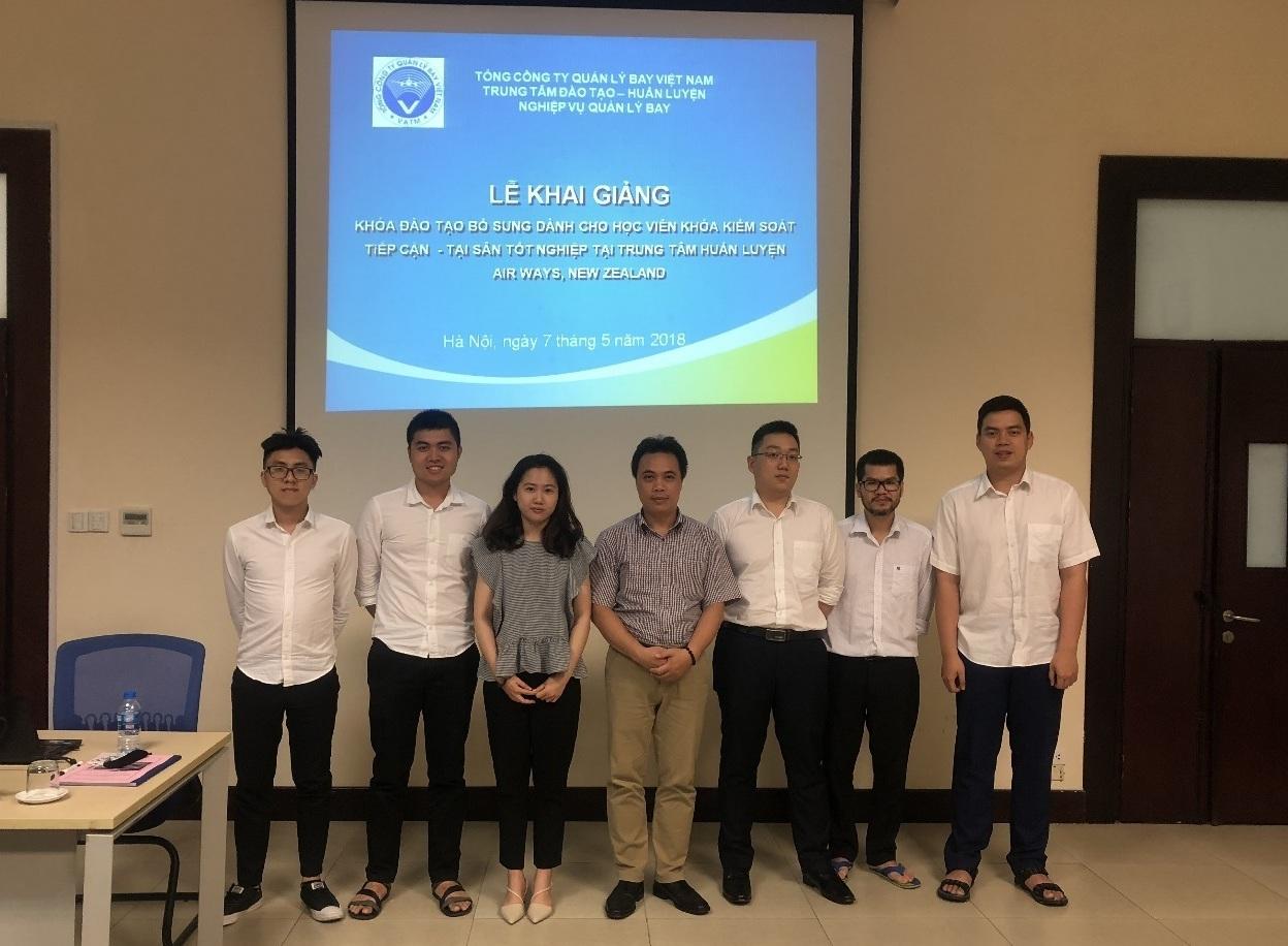 Trung tâm Đào tạo- Huấn luyện nghiệp vụ Quản lý bay khai giảng khóa đào tạo bổ sung cho các học viên đã hoàn thành đào tạo cơ bản kiểm soát viên không lưu tại New Zealand