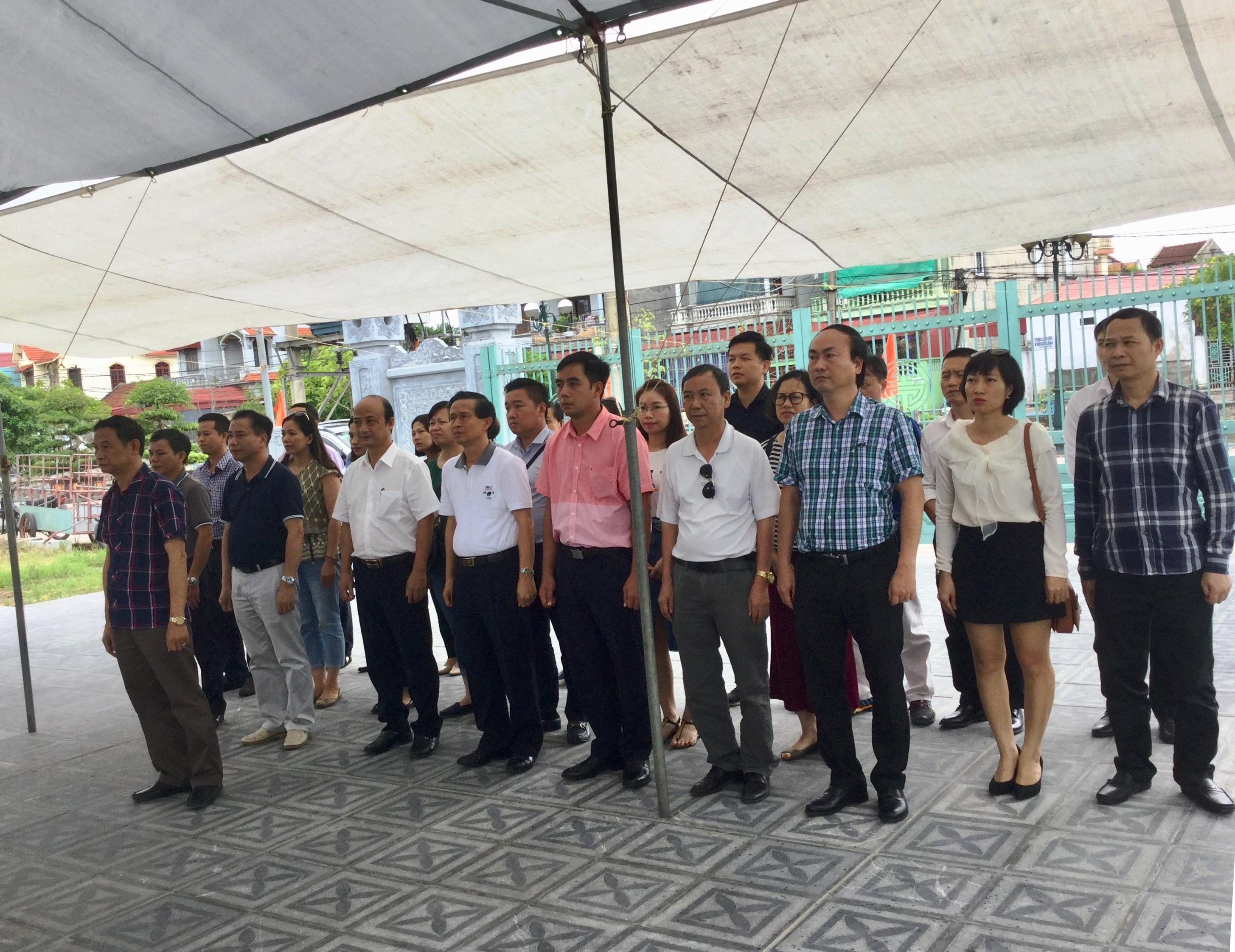 Đoàn cán bộ Công đoàn Tổng công ty thăm viếng khu tưởng niệm đồng chí Nguyễn Đức Cảnh