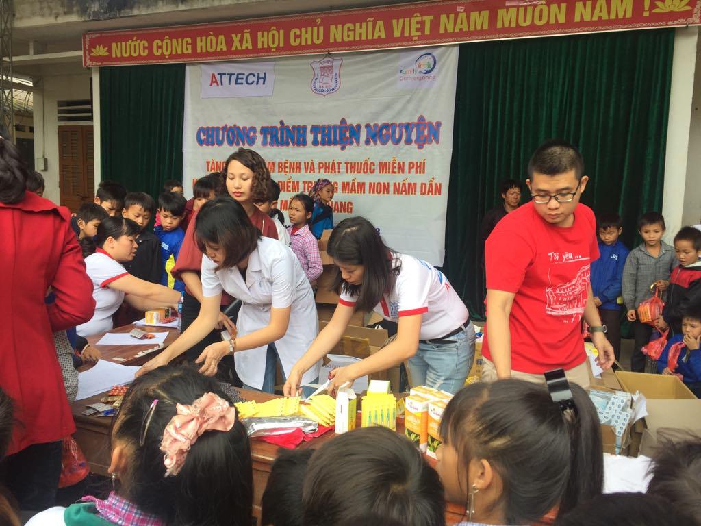 """Công ty TNHH Kỹ thuật quản lý bay đồng hành tài trợ chương trình thiện nguyện """"Khám bệnh, phát thuốc miễn phí và tặng quà cho người dân tỉnh Hà Giang"""""""