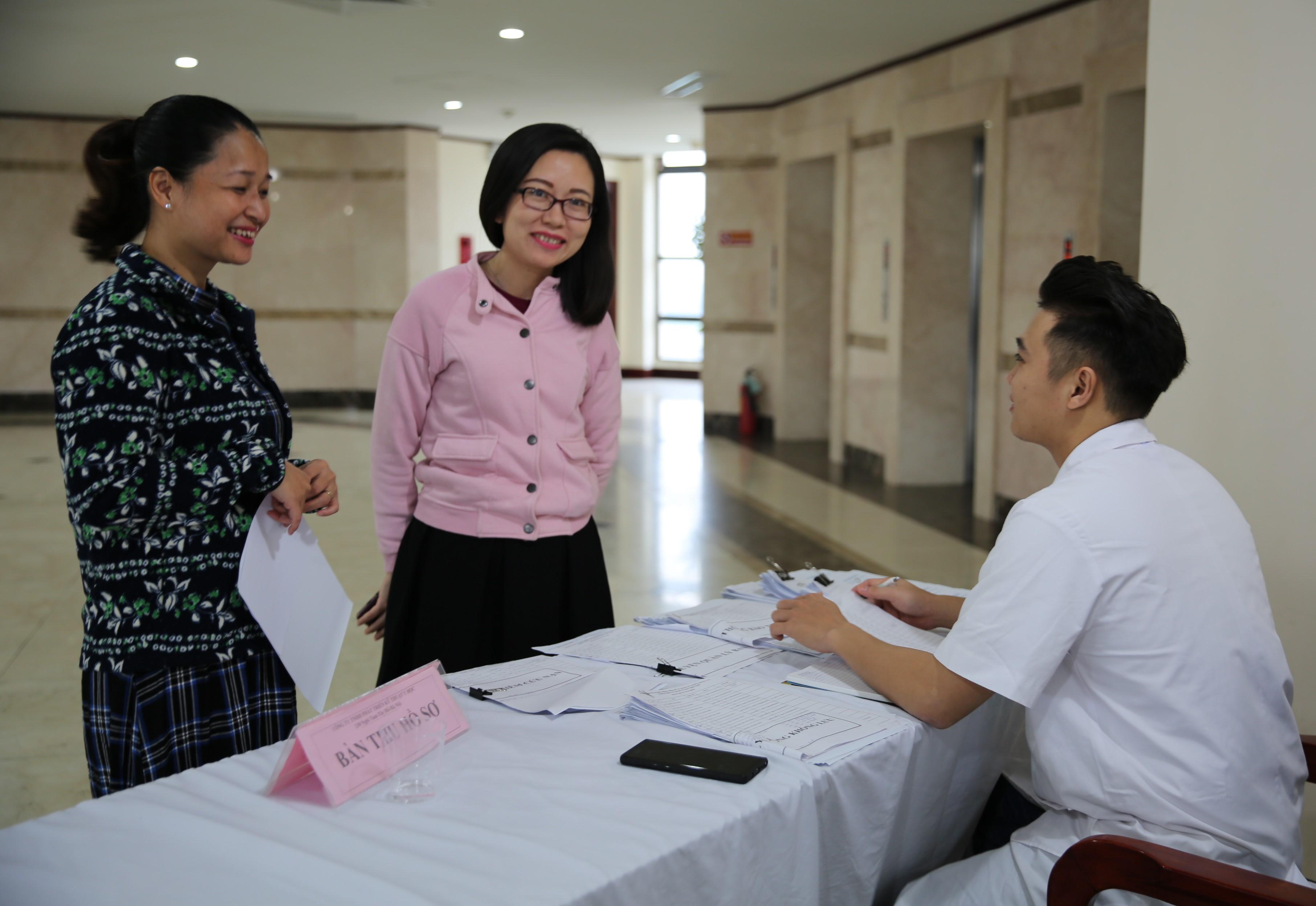 VATM: Tổ chức khám sức khỏe chuyên khoa nữ cho CNLĐ khu vực phía Bắc