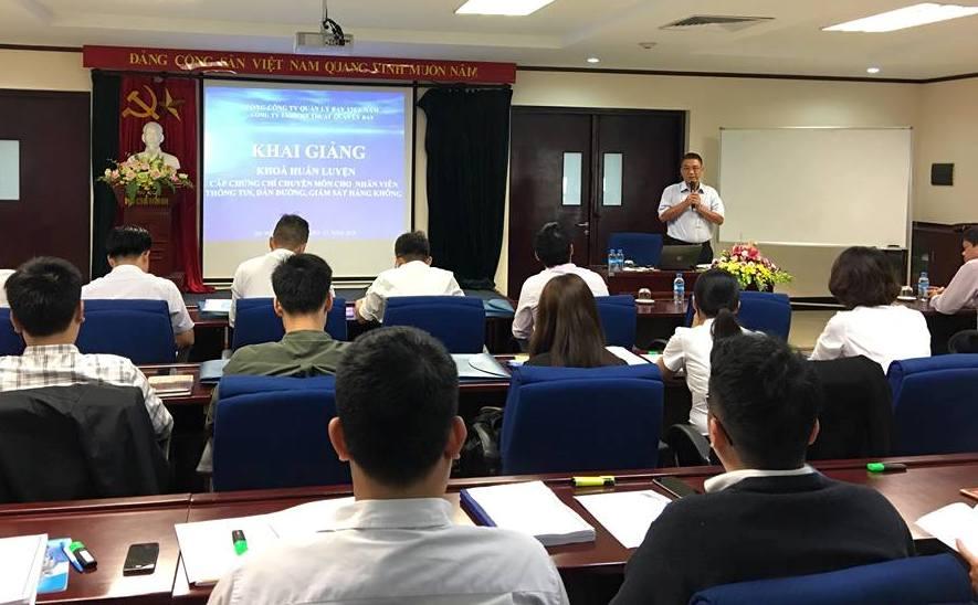 Khai giảng khóa huấn luyện Đào tạo ban đầu để cấp chứng chỉ chuyên môn cho nhân viên thông tin, dẫn đường, giám sát hàng không