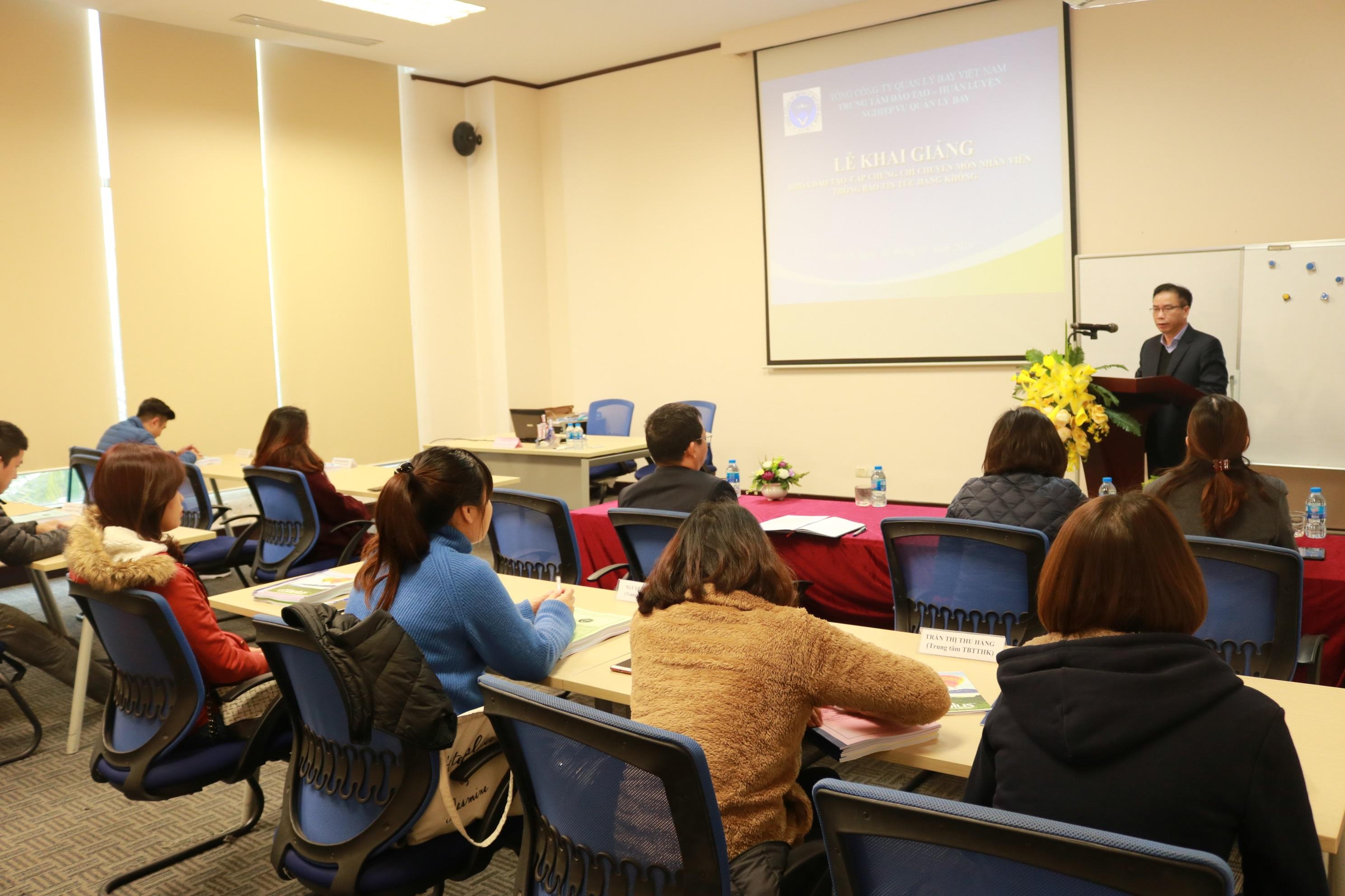 Trung tâm Đào tạo - Huấn luyện tiếp tục tổ chức đào tạo cấp chứng chỉ chuyên môn cho nhân viên Thông báo tin tức hàng không