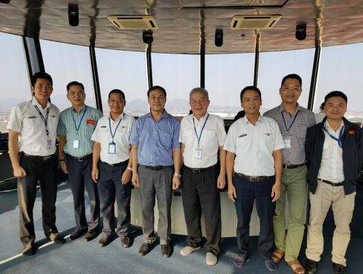 Tổng giám đốc kiểm tra và chúc Tết khu vực đài chỉ huy Nội Bài