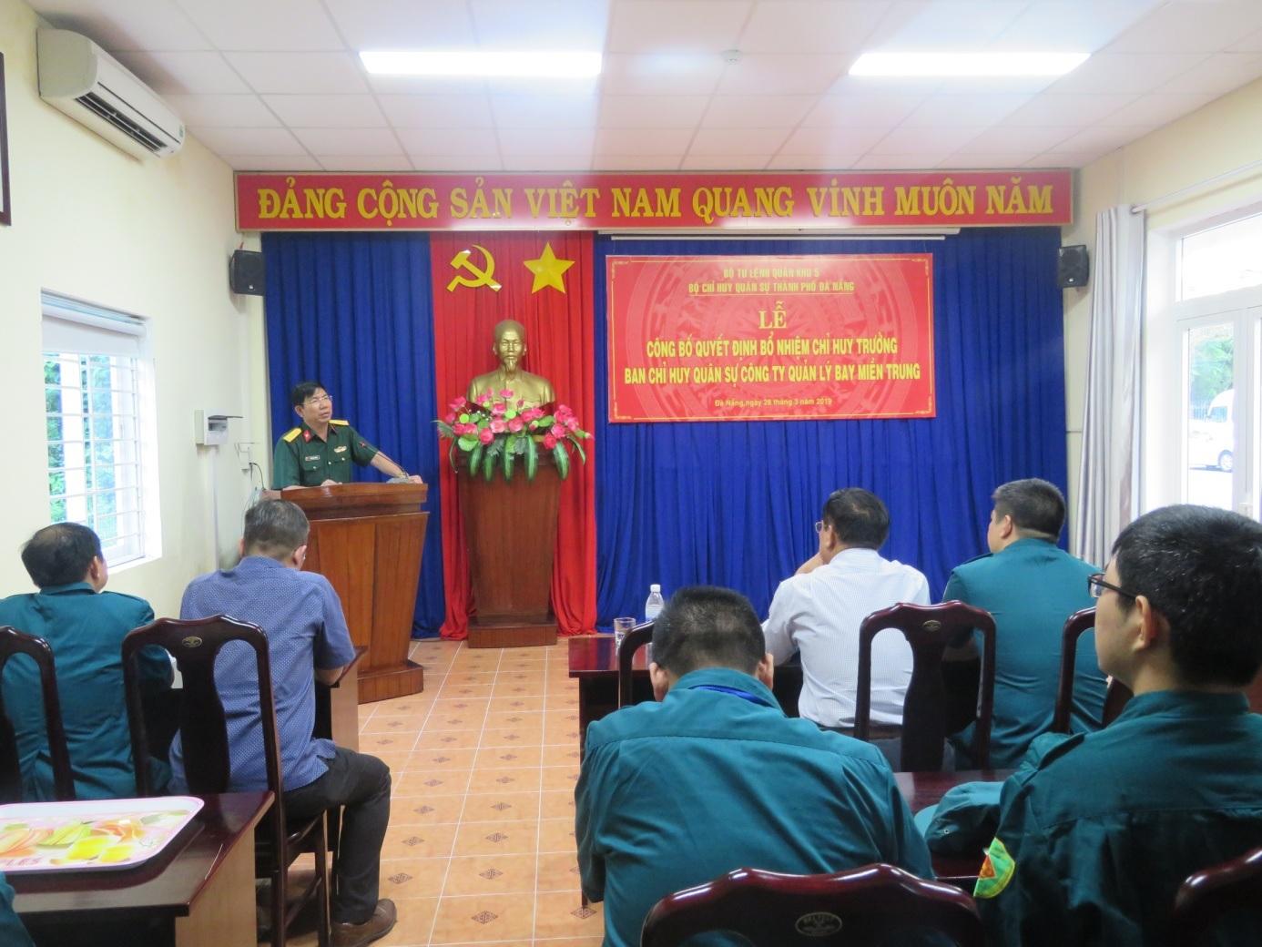 Công bố quyết định bổ nhiệm Chỉ huy trưởng Ban Chỉ huy quân sự Công ty Quản lý bay miền Trung