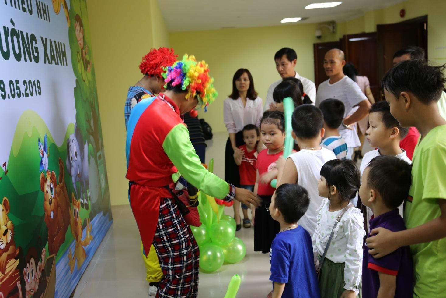 """Công ty Quản bý bay Miền Nam tổ chức chương trình """"Ngày hội thiếu nhi cùng môi trường xanh"""""""