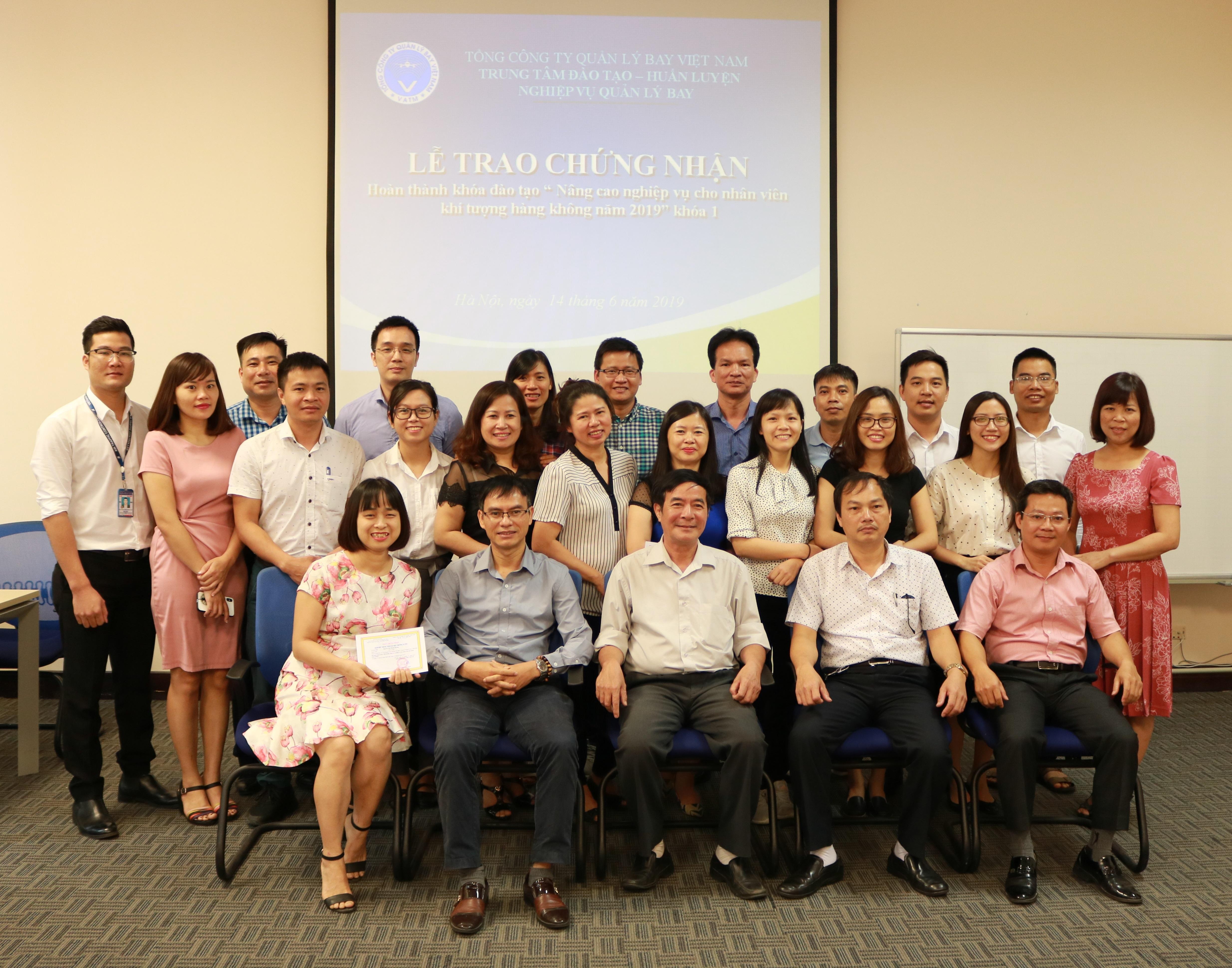 Trung tâm Đào tạo - Huấn luyện nghiệp vụ Quản lý bay tổ chức các khóa bồi dưỡng cho nhân viên Khí tượng hàng không