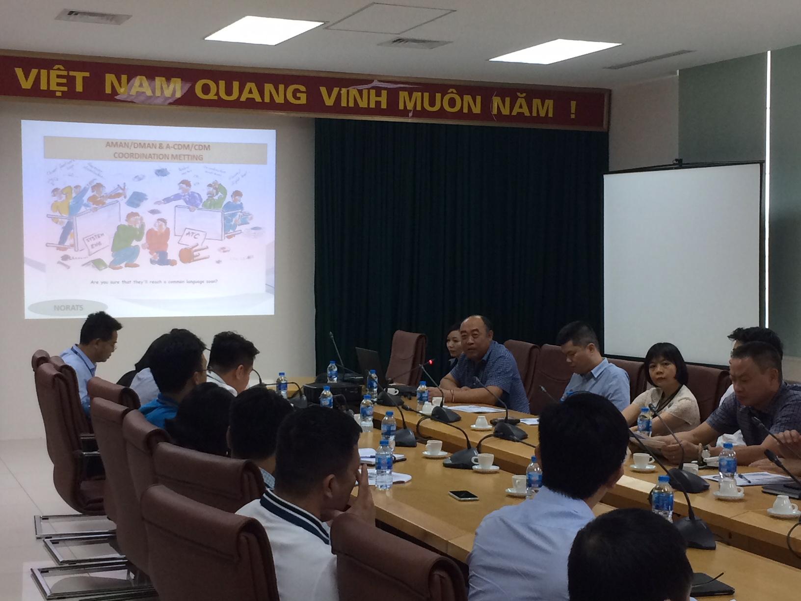 Hội nghị giới thiệu và thảo luận về ứng dụng công nghệ trong công tác Quản lý luồng tàu bay đi, đến tại Cảng Hàng không quốc tế Nội Bài