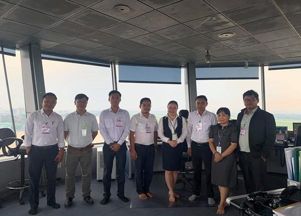 Bế giảng khóa thực hành tại vị trí làm việc (OJT) cho nhân viên dự báo khí tượng hàng không Campuchia