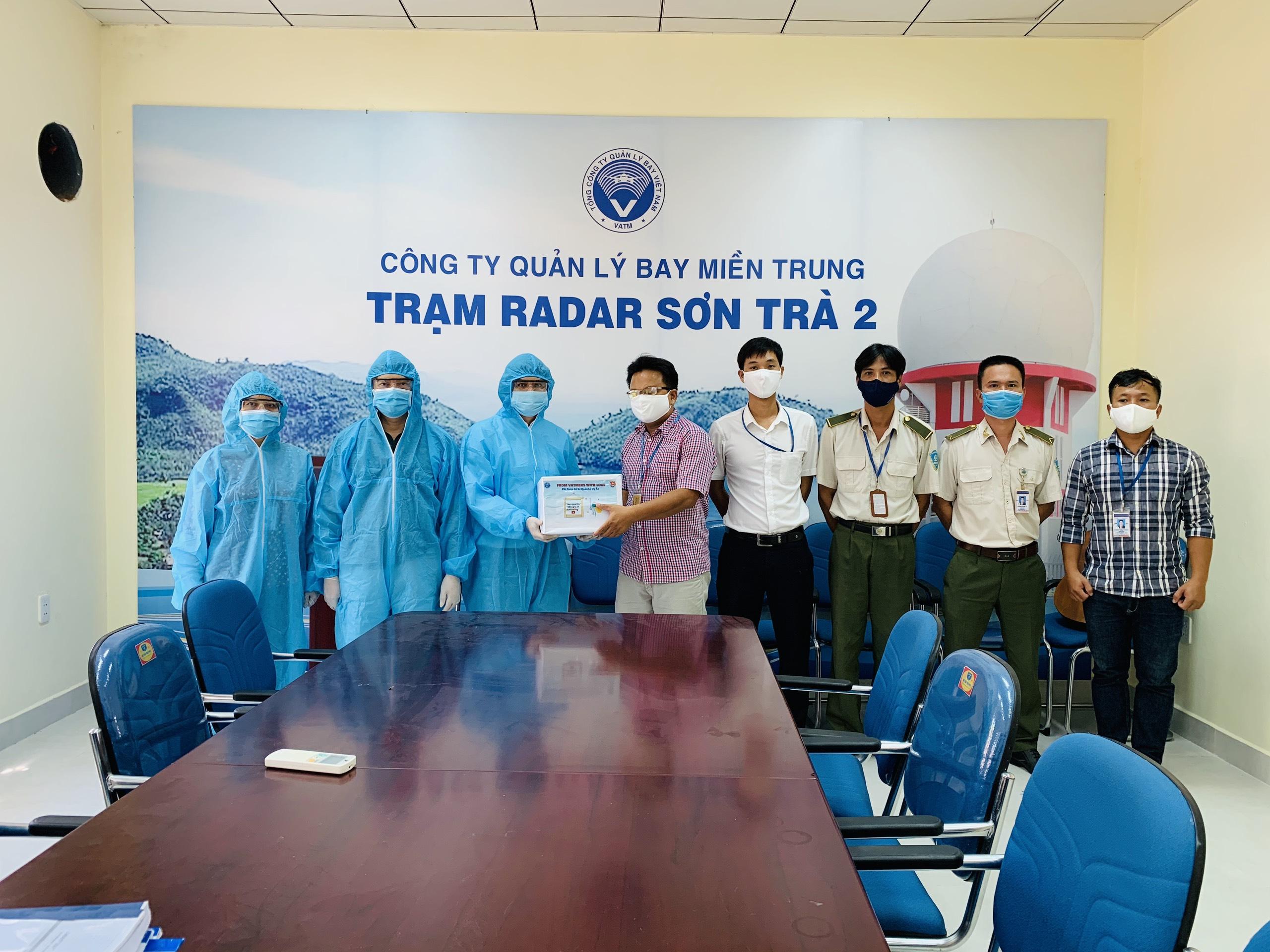 Đoàn Thanh niên Tổng công ty Quản lý bay Việt Nam đồng hành cùng Quản lý bay miền Trung chống dịch Covid-19