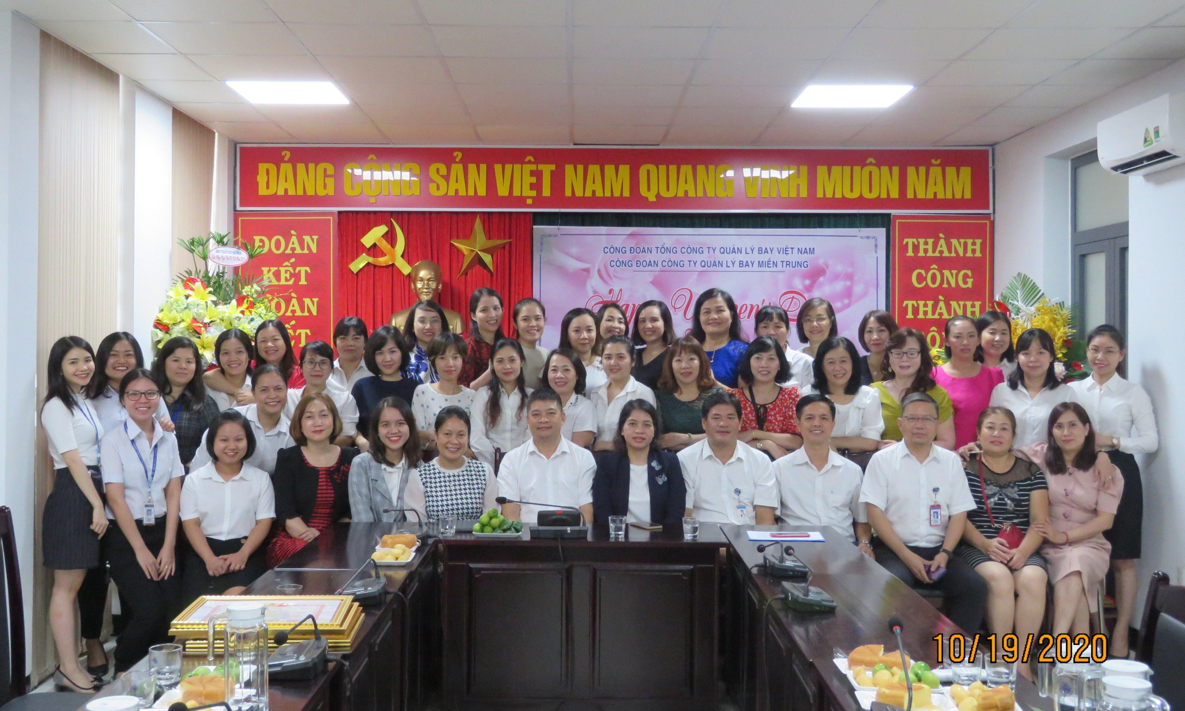 Công đoàn Công ty QLB miền Trung tổ chức gặp mặt Nữ CNV nhân kỷ niệm 90 năm Ngày thành lập Hội LHPNVN (20/10/1930-20/10/2020)