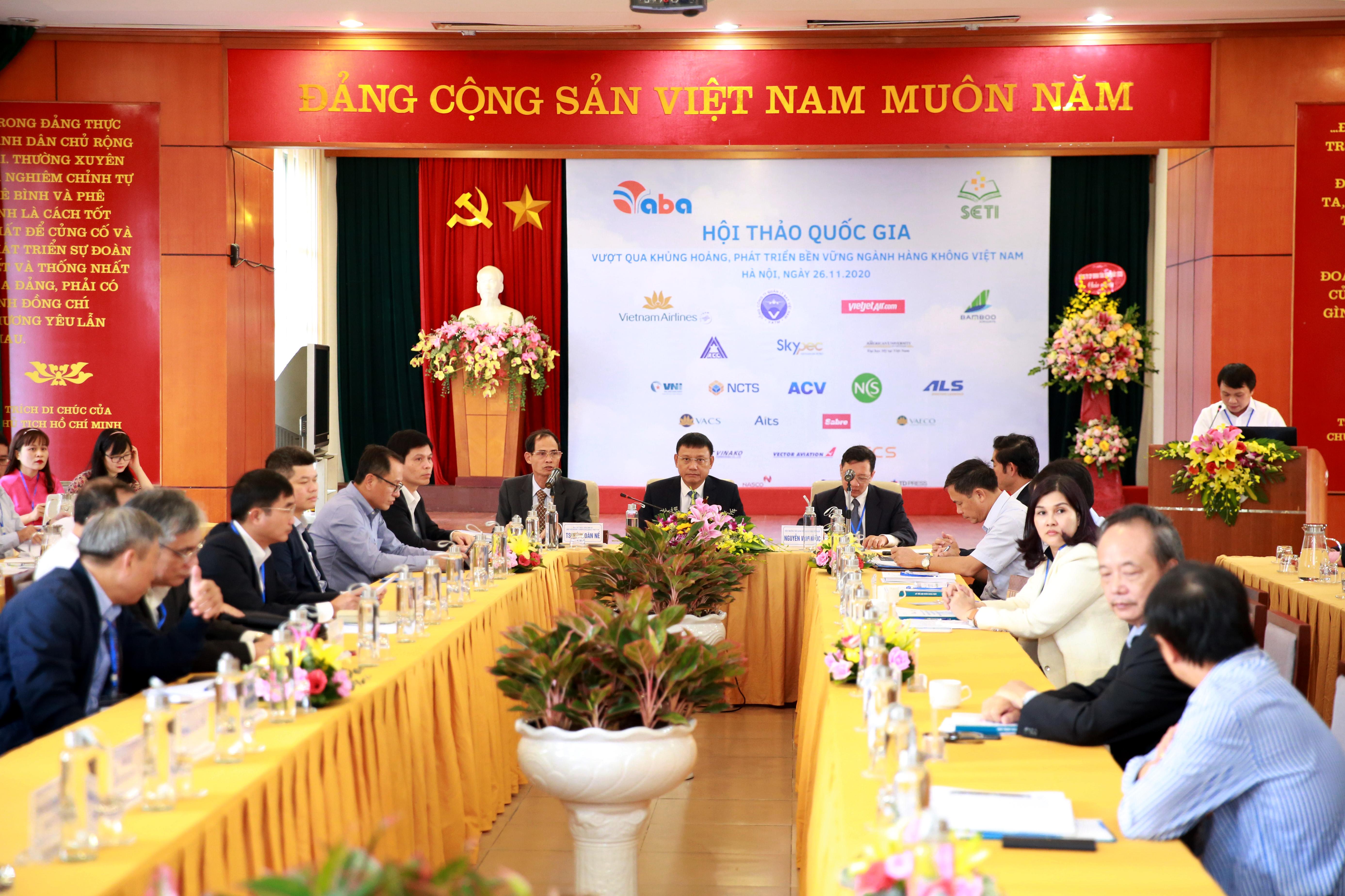 """Hội thảo """"Vượt qua khủng hoảng, phát triển bền vững ngành Hàng không Việt Nam"""""""