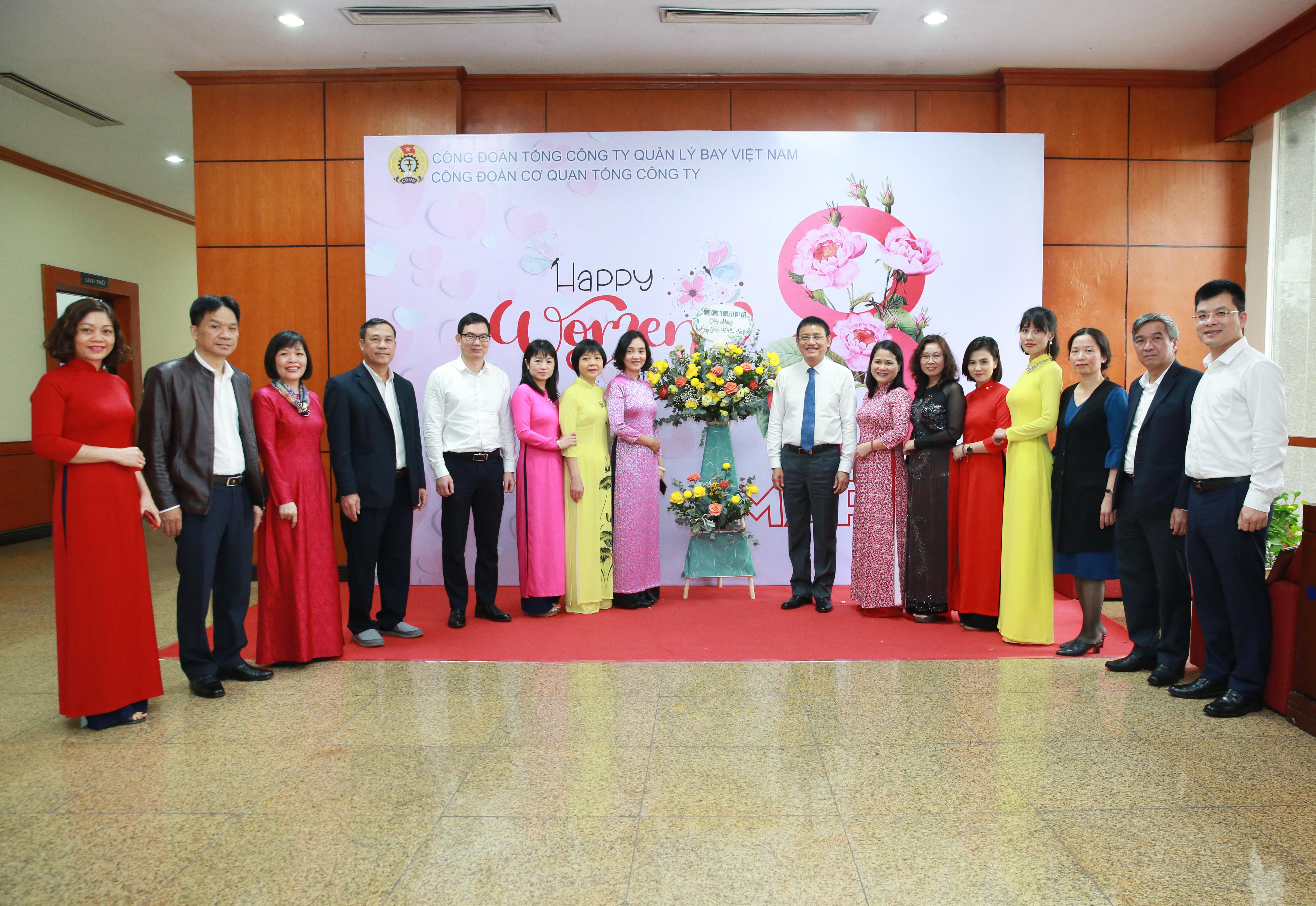 Lãnh đạo VATM gặp mặt chúc mừng đại diện lao động nữ nhân ngày 8/3