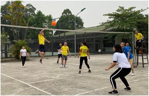 Trung tâm Quản lý luồng không lưu: Giải bóng chuyền hơi chào mừng 90 năm ngày thành lập Đoàn TNCS Hồ Chí Minh