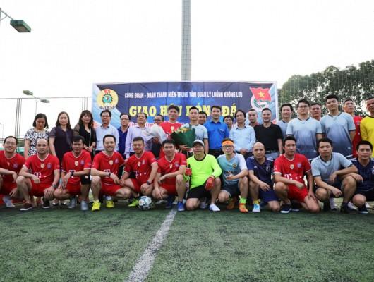 Trung tâm Quản lý luồng không lưu tổ chức giao lưu bóng đá