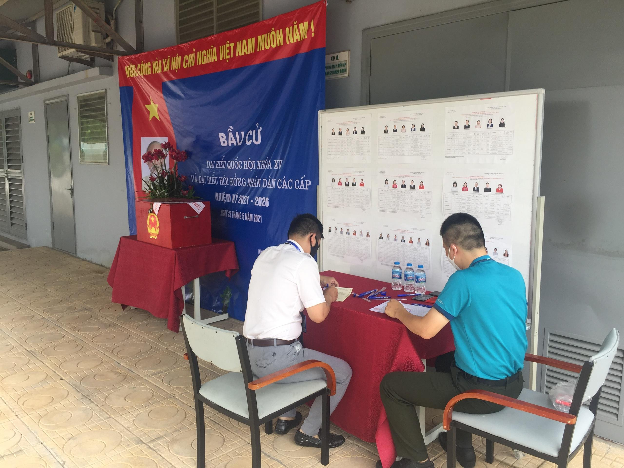 Bầu cử đại biểu Quốc hội và Hội đồng nhân dân các cấp tại điểm trực chốt ATCC Hà Nội