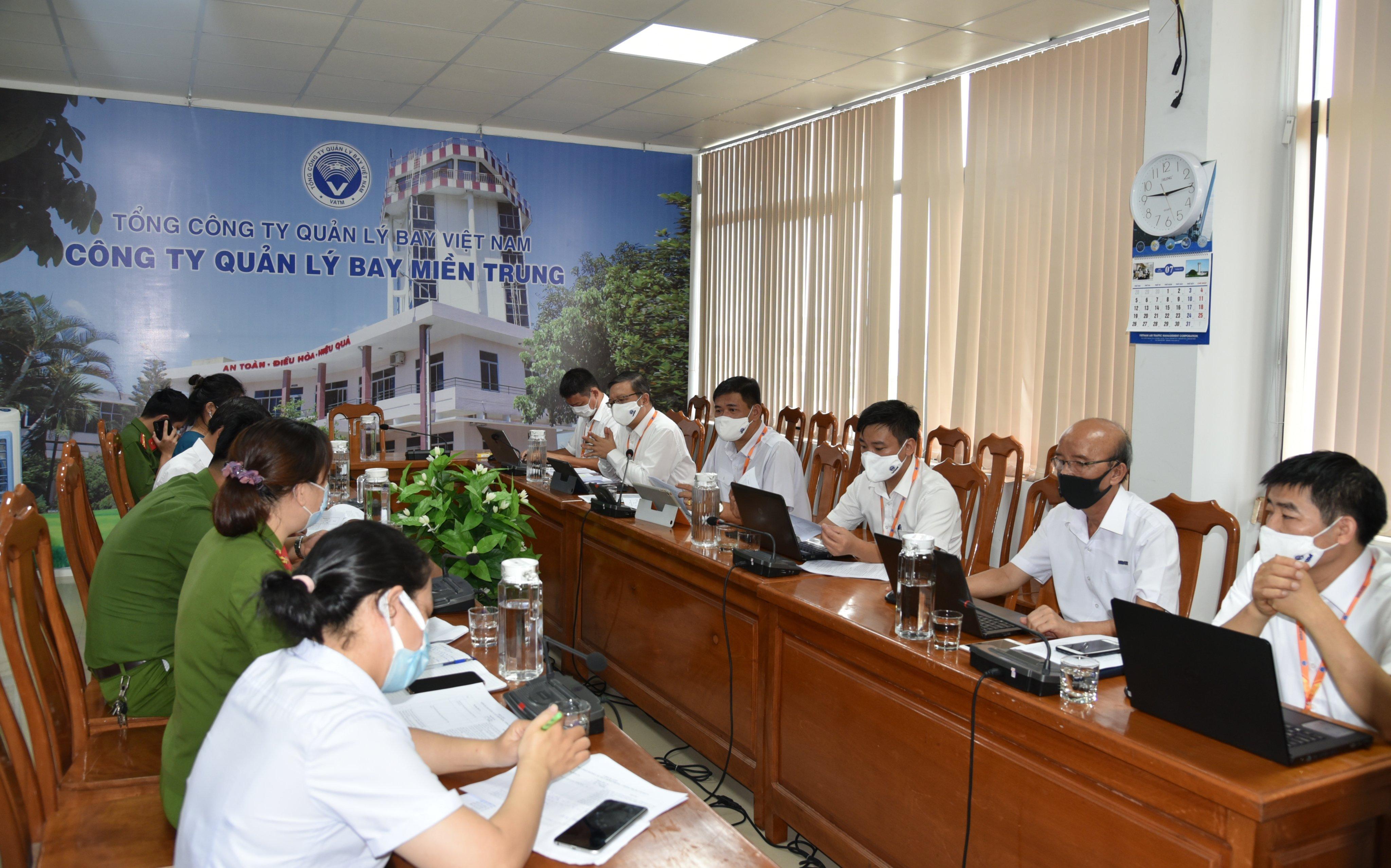 Kiểm tra công tác phòng chống dịch Covid-19 tại Công ty Quản lý bay miền Trung