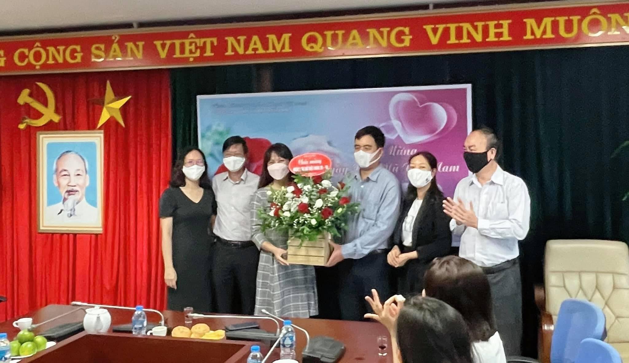 Chào mừng kỷ niệm 91 năm Ngày thành lập Hội LHPN Việt Nam tại Công ty Quản lý bay miền Bắc