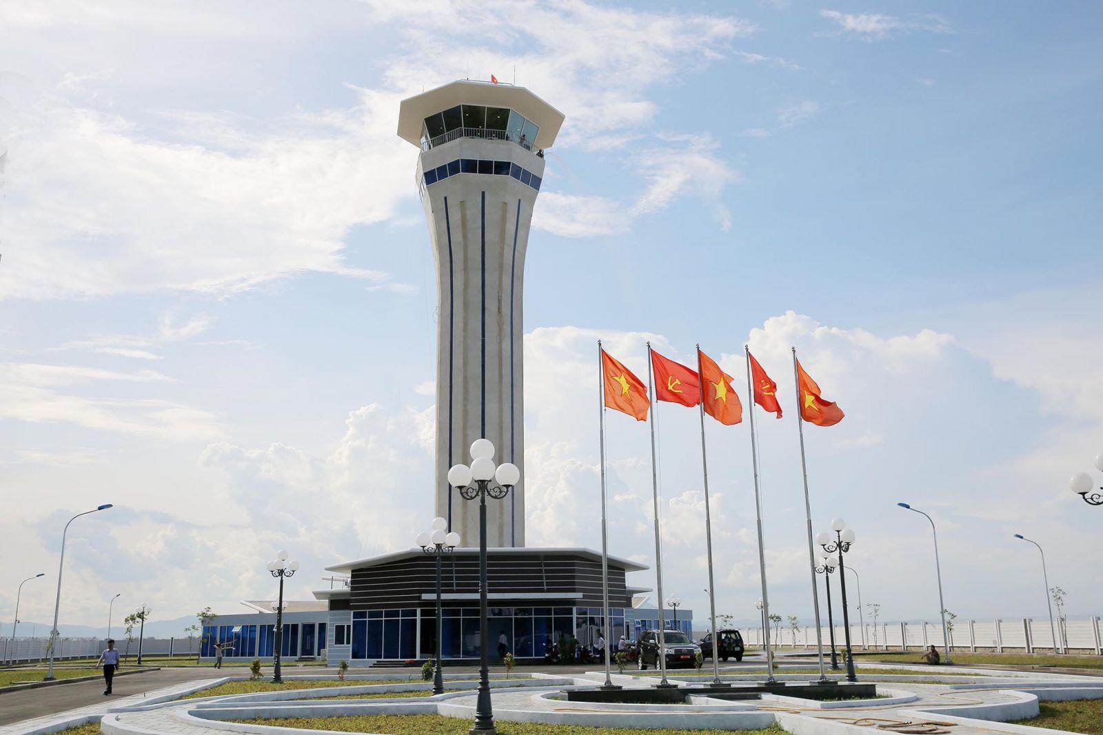 Chuyển đổi khai thác Đài kiểm soát không lưu Cảng hàng không Tuy Hòa