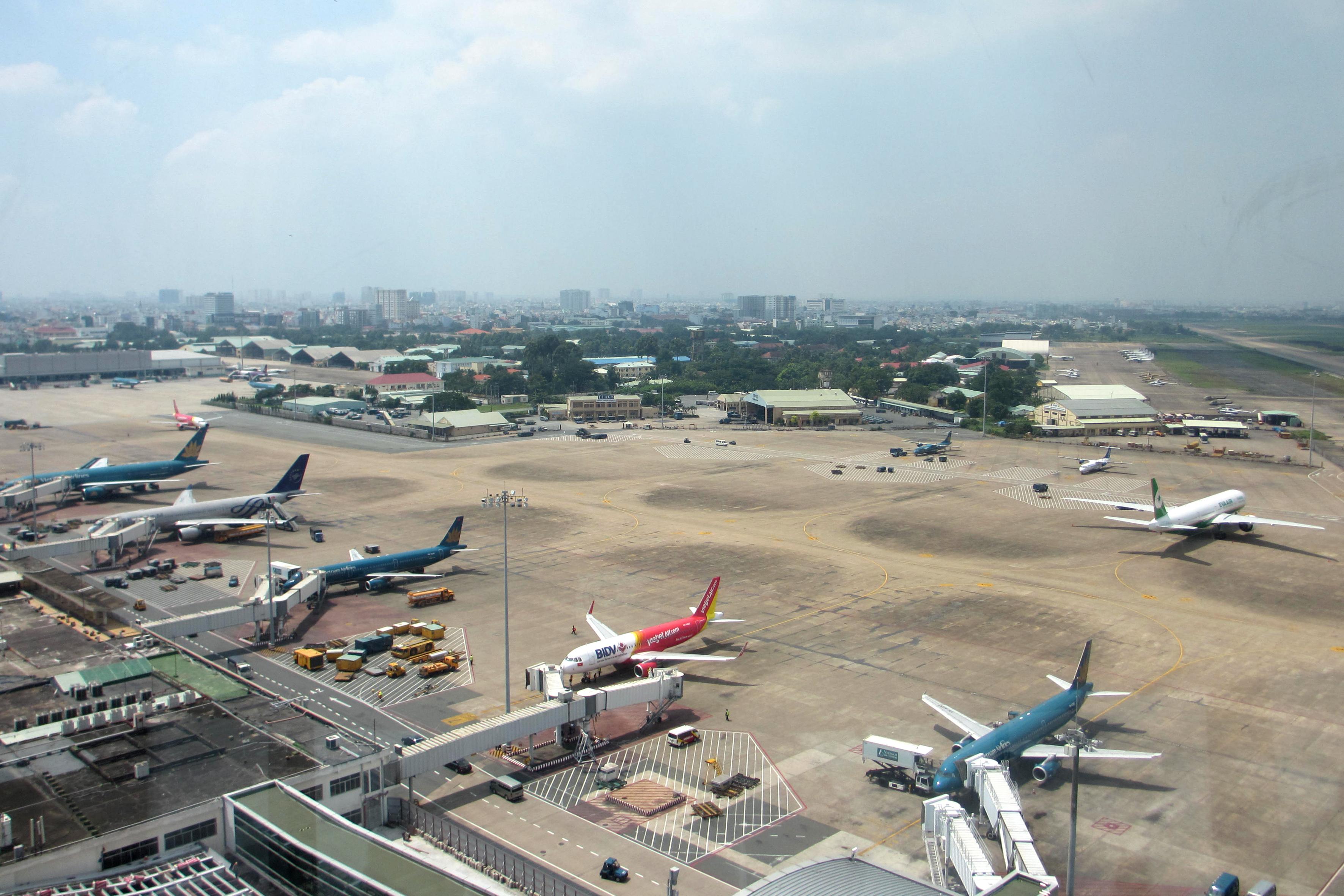 Thông tin báo chí: Thực hiện giảm giá trị phân cách tối thiểu từ 05 NM xuống 03NM tại vùng trời tiếp cận sân bay Tân Sơn Nhất